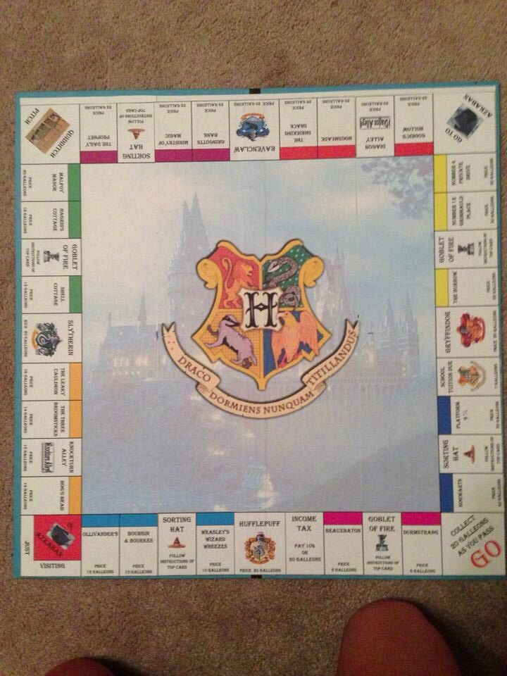 Harry Potter Monopoly. i might actually play monopoly if i had this.
