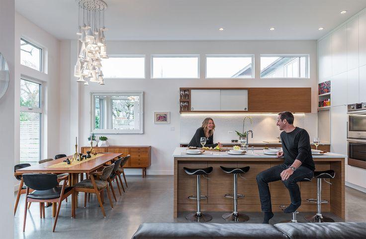 West Coast Modern Home Wears Casual Midcentury Vibe