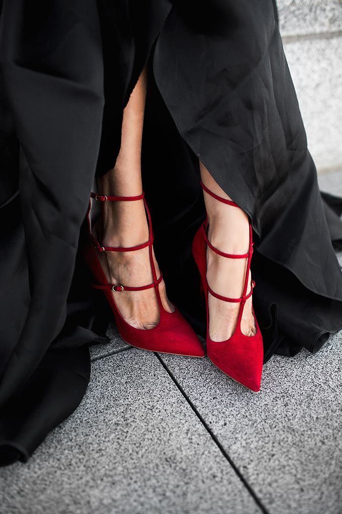 Red Shoes Love ::: image Via: Hello Fashion Blog
