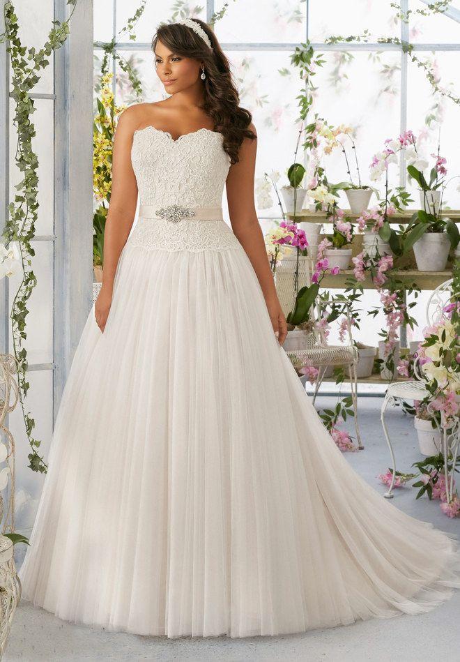 Die besten 17 Ideen zu Hochzeitskleider Für Mollige auf Pinterest ...