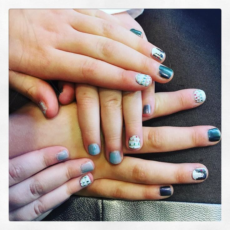 Christmas nails for the girls. #jamberry #nails #christmas #therealevieandlola