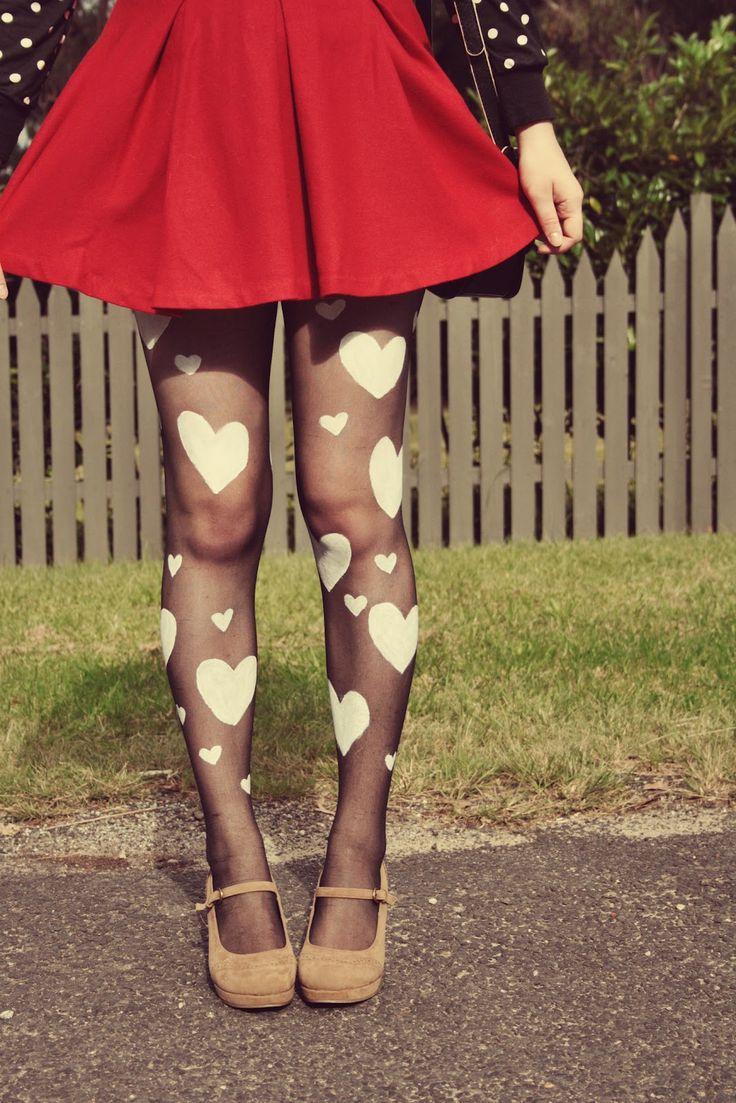 DIY: heart print tights