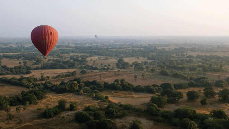 BALLOONS OVER BAGAN | LENSES & LOCALS