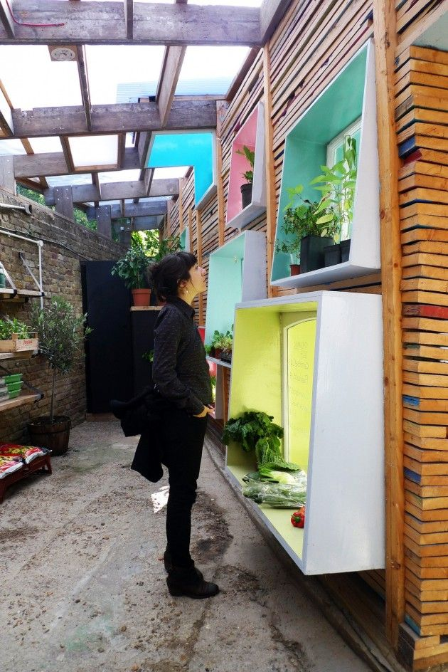 Sill-to-Sill at Hackney City Farm by Julian Bond, Sigrid Bylander, Lucy Paton and Benedetta Rogers.    Hackney City Farm is an environmental organization that for the past 20 years has given the local community the opportunity to experience farming right in the heart of London.