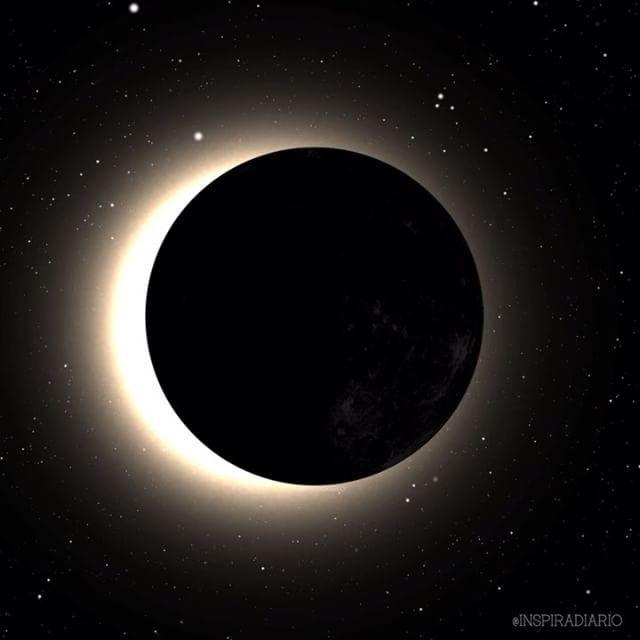E C L I P S E @inspiradiario .Edit: Isabella HilsMúsica: Stellardrone.. #visual #visualeffect #composition #eclipse #digital #magic #universe #space #moon #meditation #earth #visualart #superluna #videoart #design #mind #spirit #surrealart #digitalcollage #spiritual #mystic #eclipselunar #fullmoon #lunallena