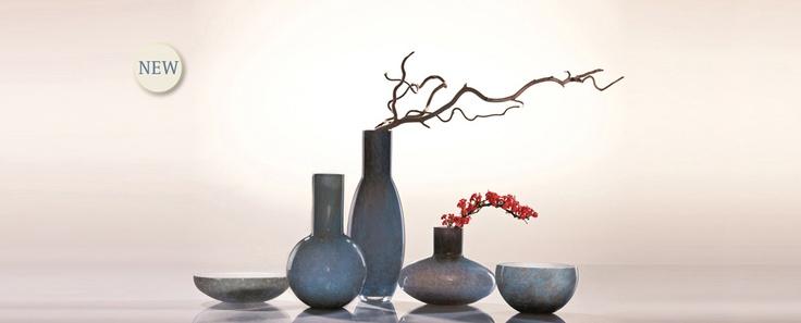 Zhada - kolekce váz a mís z efektně barveného křišťálu, inspirovaného Afrikou