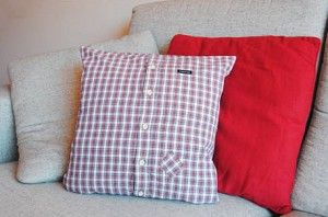 A gingham shirt pillow made by Bey includes a charming patch.  Video tutorial
