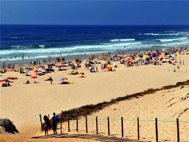 A Praia do Malhão, situa-se a 5 quilómetros de Vila Nova de Milfontes, e é uma praia selvagem de areal extenso. A ondulação das suas águas permite a prática de desportos aquáticos, como o surf e o bodyboard. Na zona norte da praia a pratica do nudismo é tolerada. Infra-estruturas de apoio – Praia do…