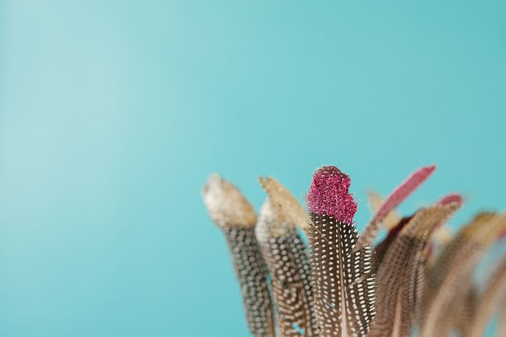 How To: Glitter Feather Centerpiece