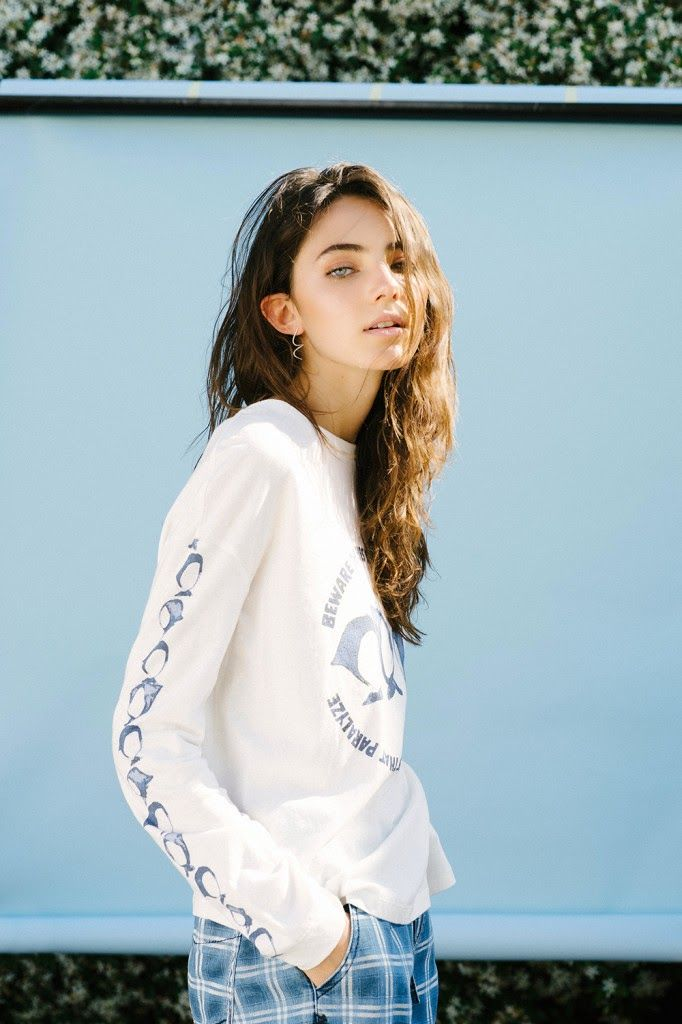 Chic Management: Amelia Zadro for SNEAKY