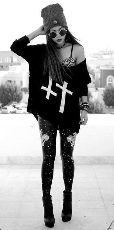 No escatimes en las cruces.   20 Ideas para experimentar con el estilo gótico