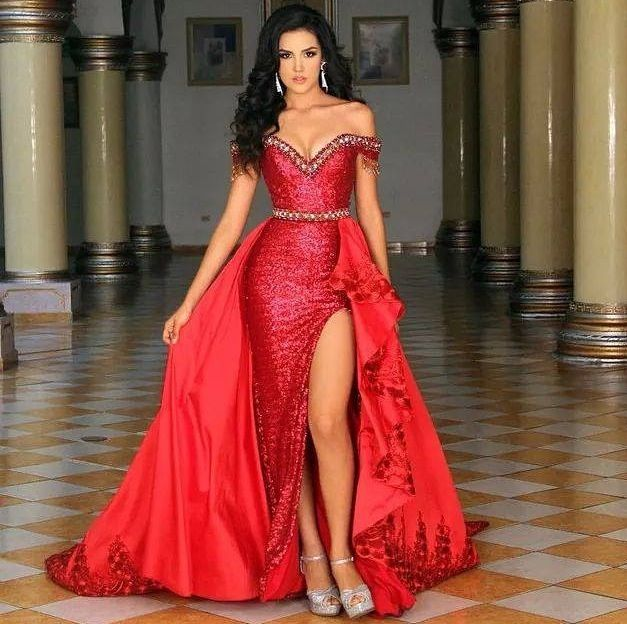 Coming across the beauty that is Estefania Franco Morales, Miss Teen Universe Mexico 2014, truly took my breath away. Styled to perfection, this evening gown is one for the books.  The Color -   This bold red is positively commanding. And while there is a ton of fabric here, the various textures and beading create enough differentiation for excellent contrast AND coordination.