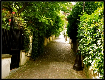 'La Mouzaia is the name of a neighbourhood that has Paris' largest number of low rise, freestanding or semi-detached garden homes - hundreds of them strung along some 30 streets, villa and hamlet complexes and cul-de-sacs.