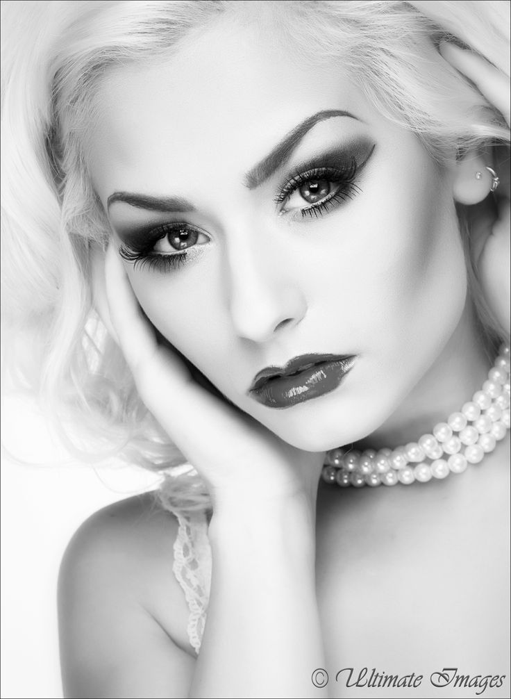 Photography by Ultimate Images, Model Romanie Smith, Makeup by Romanie Smith, Post processing by Ultimate Images, Taken at Aura Photographic Studio, Hair styling by Romanie Smith / Portfolio hosting and networking for models, photographers and related creatives / PurplePort
