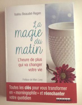 Voici un petit livre qui m'a beaucoup inspirée ces derniers temps, et dont j'avais envie de vous parler! Je l'ai lu en 3 fois, 3 soirs, ...