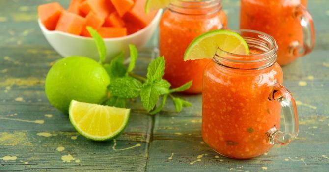Recette de Smoothie de papaye Croq'Kilos à la menthe et au citron vert. Facile et rapide à réaliser, goûteuse et diététique.