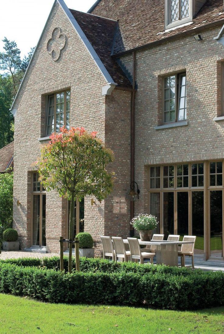 English mansion, belgian design