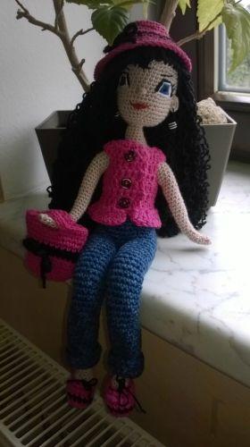 Háčkovaná panenka amigurumi