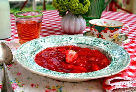 Jordgubbs- och rabarberkräm | Recept.nu