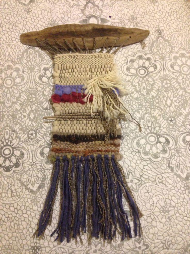 Mural pequeño, lana + palos de lago