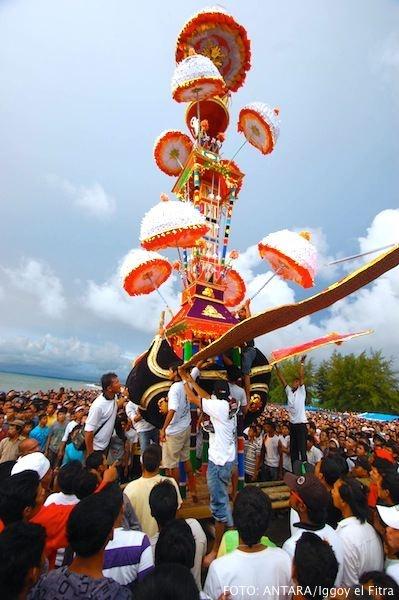 Tabuik ceremony at Gandoriah Pariaman, West Sumatera .