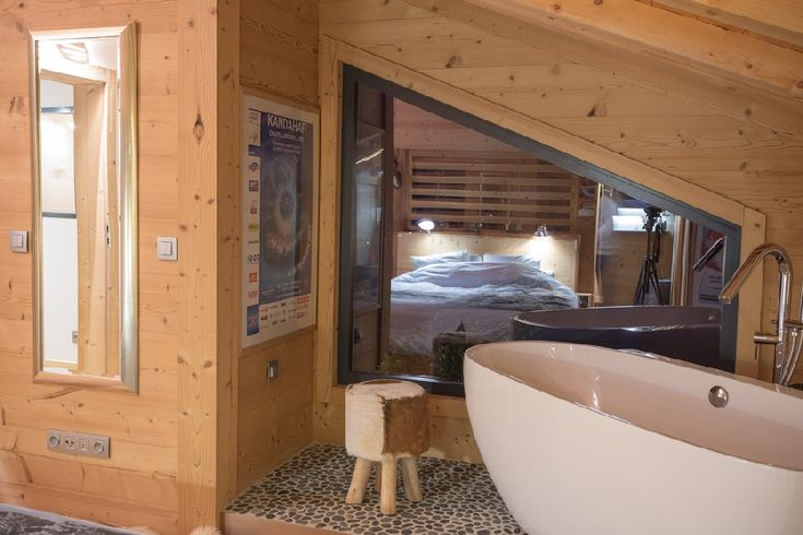 Traditional Mountain Home in France Adds Modern Extension - http://freshome.com/modern-extension-chalet-France/