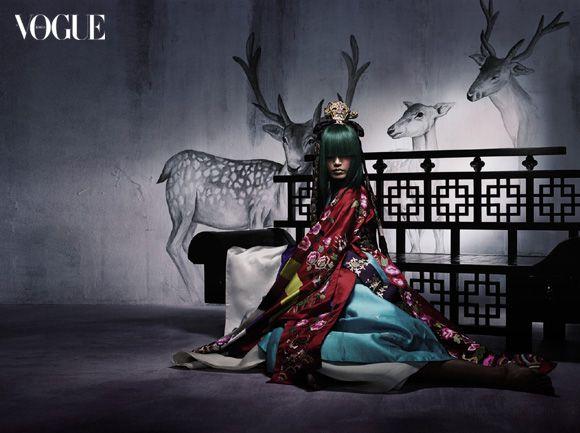 Korean: Vogue spread on modern hanbok