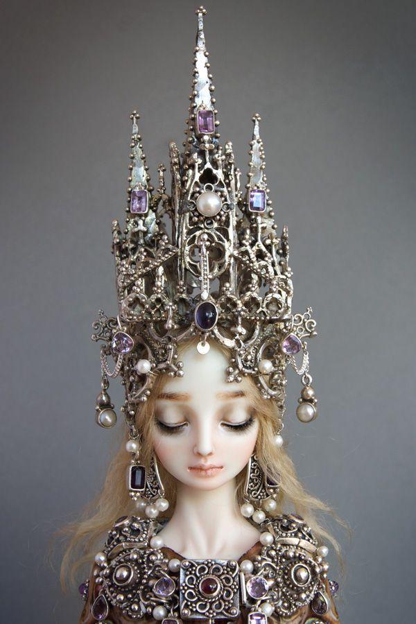 Poupée faite par Marina Bychkova et qui représente l'éternelle féminité selon la créatrice.