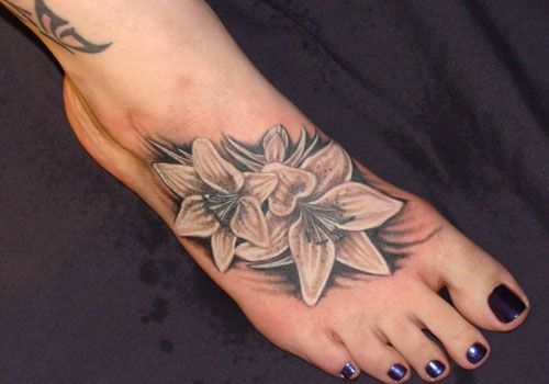 27 Seductive Foot Tattoos For Girls For 2013