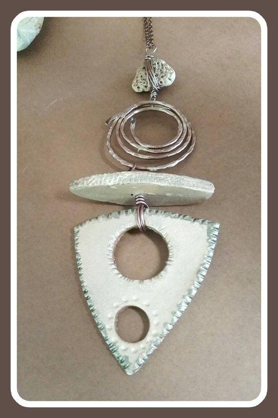 Guarda questo articolo nel mio negozio Etsy https://www.etsy.com/it/listing/455311762/handmade-clay-rustic-necklace-boho