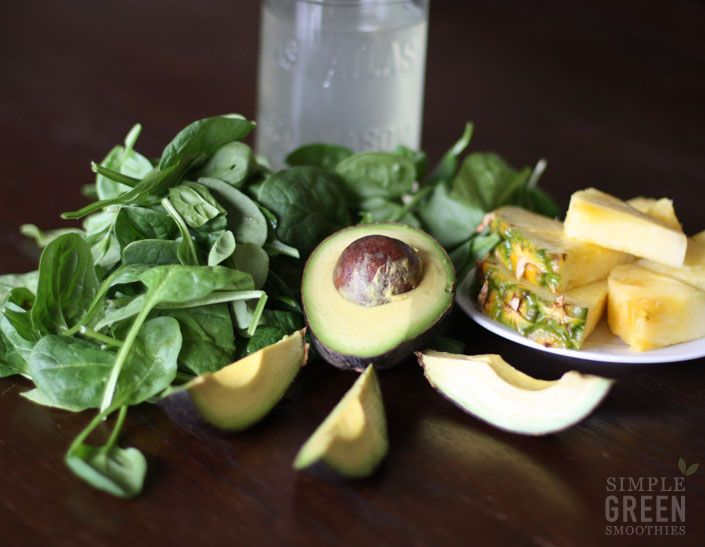 This Skin Cleanse Green Smoothie Recipe has 4 simple ingredients: avocado, spinach, coconut water and pineapple. Great source of healthy fats and vitamin E