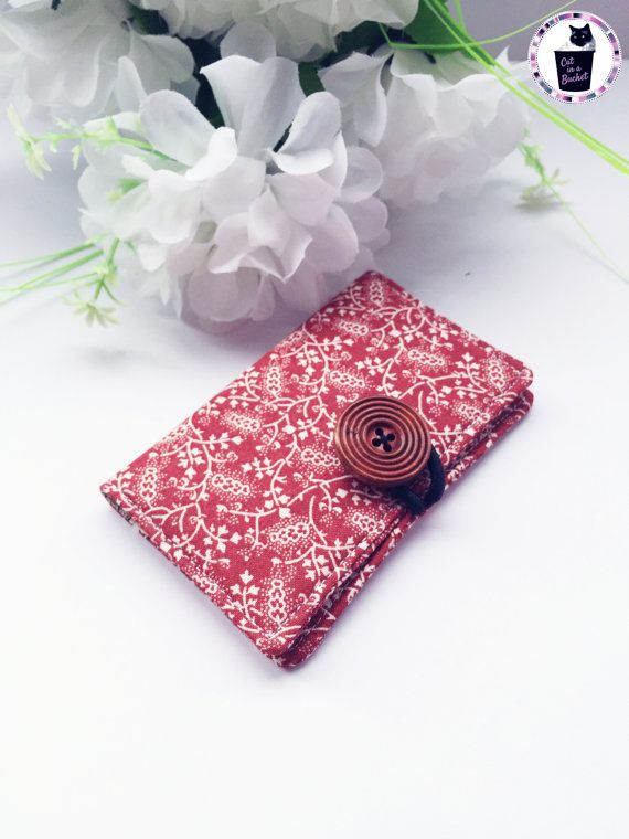 This floral pattern is just so elegant! Handcrafted with care, this card holder is perfect for business cards