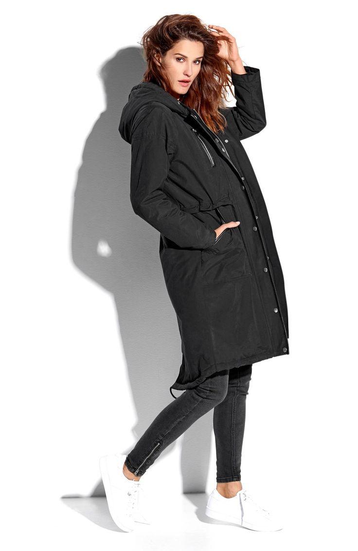 Długa, ocieplana kurtka z kapturem marki Happy Holly. Stylowe wykończenie ze sztucznej skóry, 329 zł.