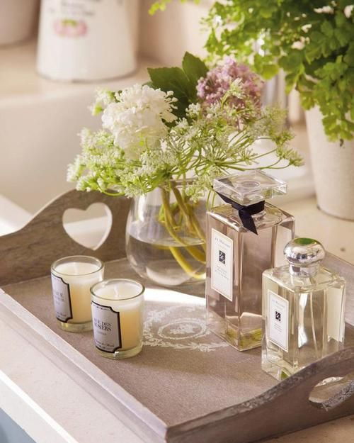 Don't forget to  display nice perfumebottles in your bathroom.
