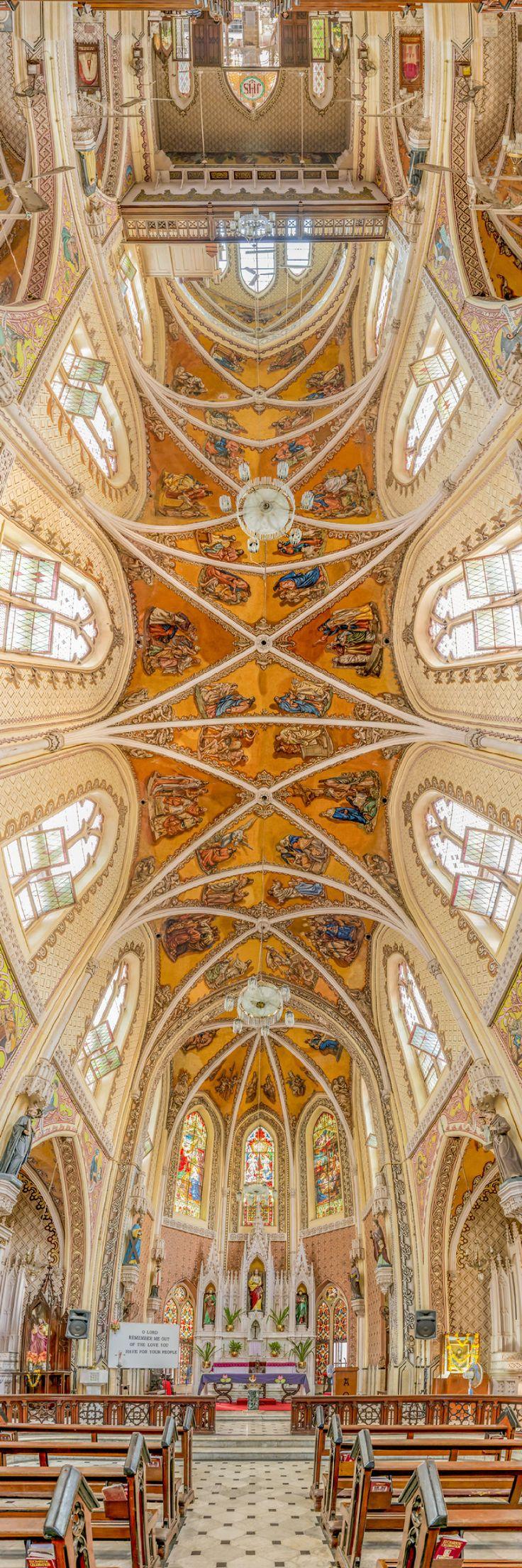 Iglesia en el Nombre del Santo, Mumbai, India. Catedrales de todo el mundo fotografiadas desde una perspectiva perfecta.