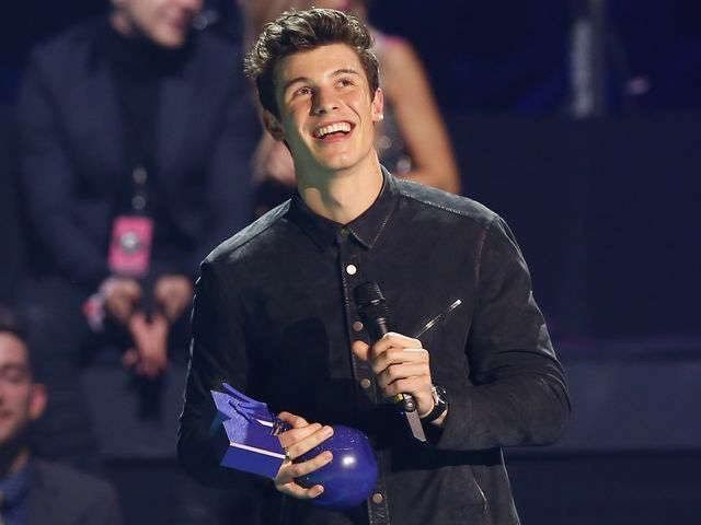 Shawn Mendes at the EMAs 2016 Rotterdam  Winner of best male Artist