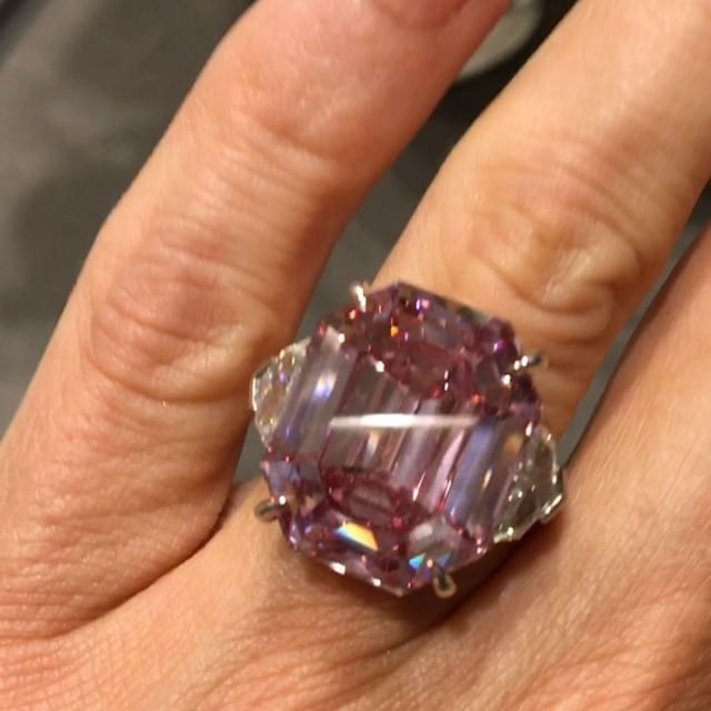 With The 19 Carat Fancy Vivid Pink Legacy Diamond On My Hand I Talk To Christiesjewels Expert About The Details Guess The E Jewelry Editor Pink Diamond Fancy