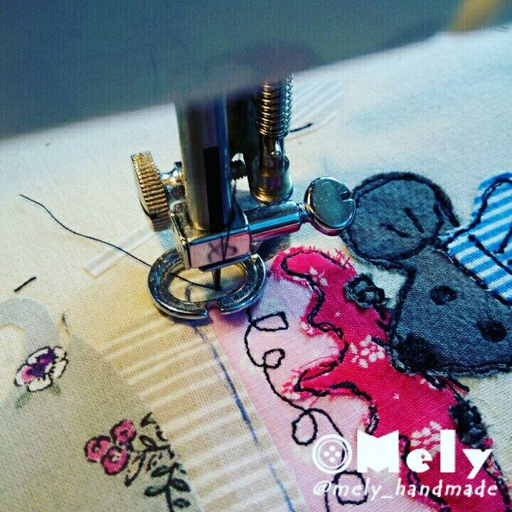 Work in progress. Applique with freehand machine embroidery 📝📍✂   #mely_handmade