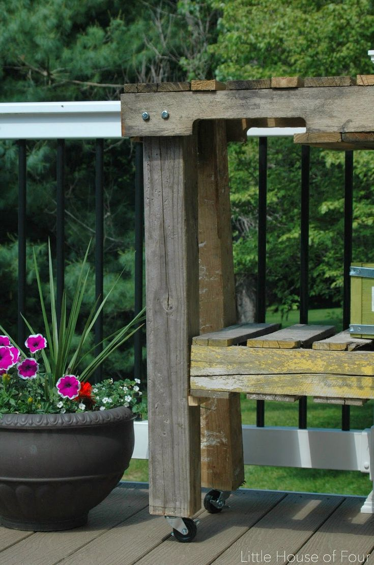 How To Make A Workbench Out Of Pallets Garden