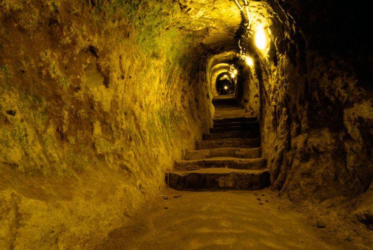 UNDER HUSET: Slik ser en av de mange gangene som gjemte seg under tyrkerens hus ut. Foto: Alamy