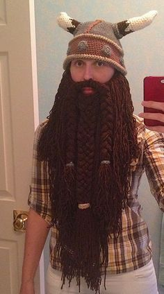 Crochet Beard (Viking or Wizard) - Free pattern by Reckless Stitches. The free crochet helmet pattern is here: http://www.ravelry.com/patterns/library/viking-helm-hat