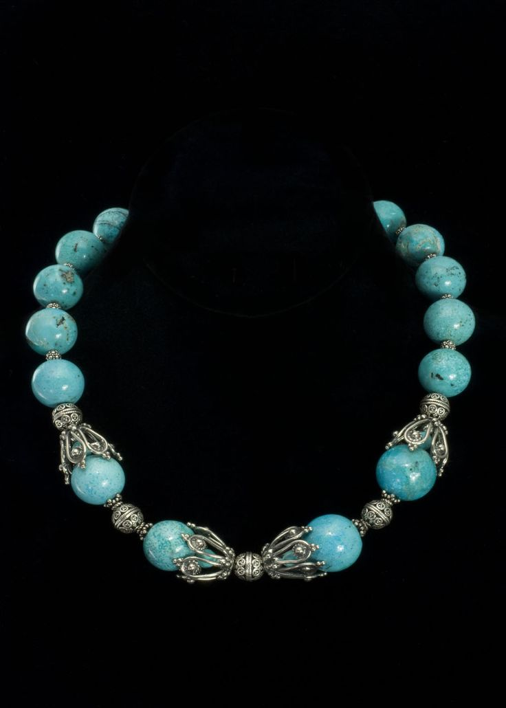 chinese turquoise necklace large round genuine chinese. Black Bedroom Furniture Sets. Home Design Ideas