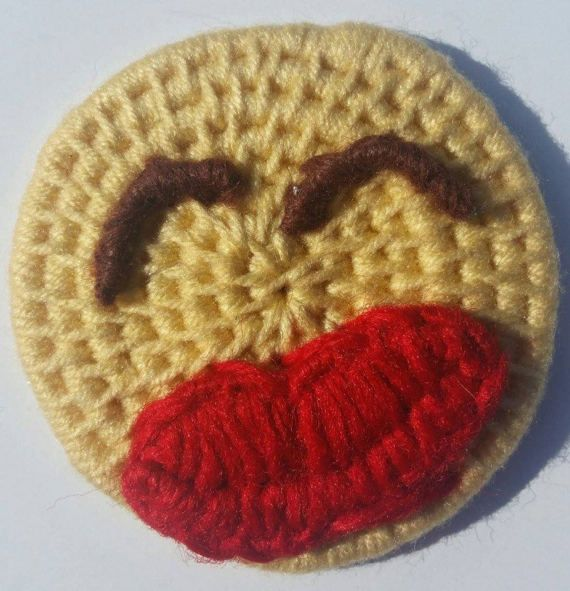 Smiley Face Emoji Magnet Yarn coiled heart face by ZiseMatters