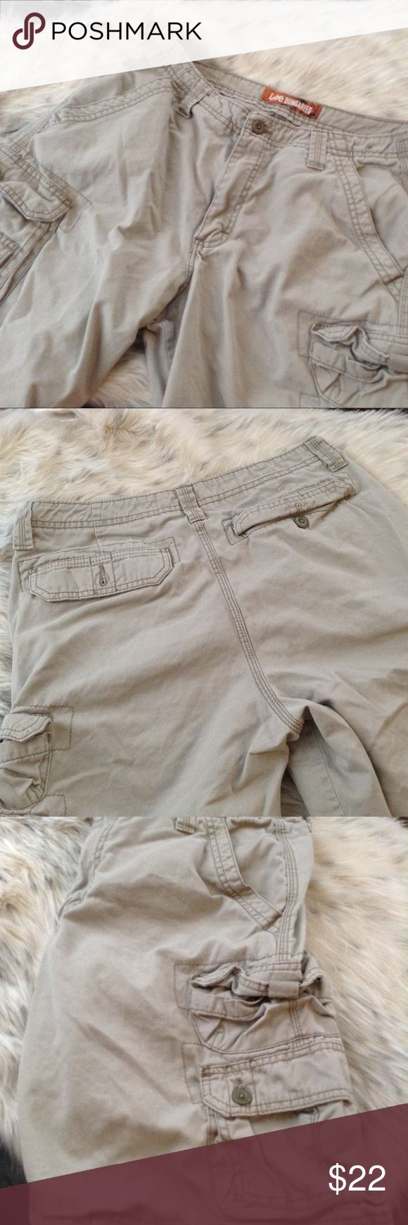 Lee Dungarees Excellent condition. Khaki cargo shorts. Lee Shorts
