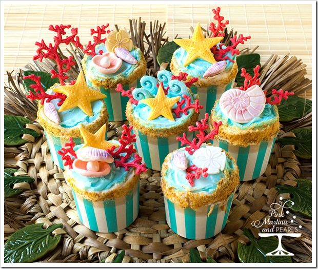 We love these Endless Summer Cupcakes in our Large Baking Cup from Pink Martinis & Pearls!