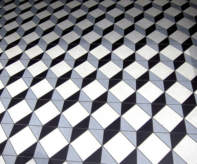 Q-bert, Geometric floor tiles - London