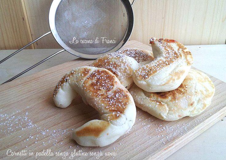http://blog.giallozafferano.it/mangiosenzaglutine/cornetti-in-padella-senza-glutine-senza-uova/ Cornetti in padella senza glutine senza uova
