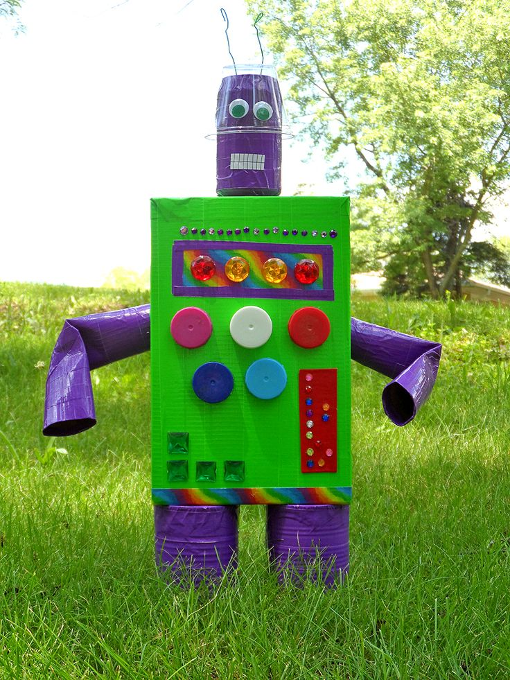 Best 25 recycled robot ideas on pinterest recycled toys for Recycled products ideas