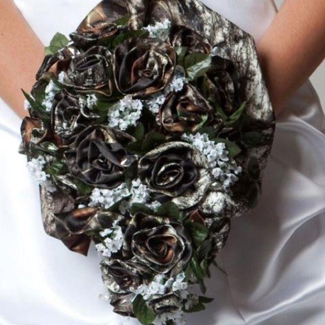 Elegant Camo Wedding Ideas: Camo Formal Bouquet!!!!!
