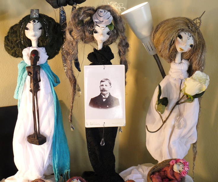 Jonk Galleria: Tuija Leinonen has been creating these handmade dolls for some time now.